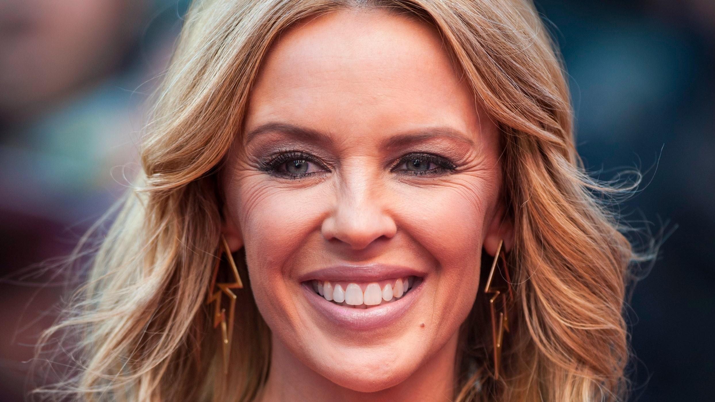 Kylie Minogue : un peu de Botox pour sublimer son beau visage, ça marche !