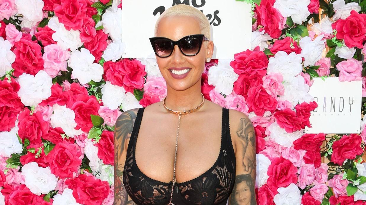 Amber Rose : une réduction mammaire pour réduire la taille de sa poitrine XXL